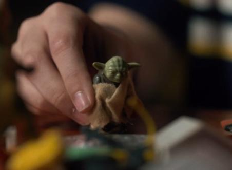 pupazzo Yoda in Stranger Things Star Wars