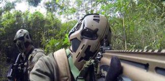 caschi star wars boba fett stormtrooper sas forze armate britanniche