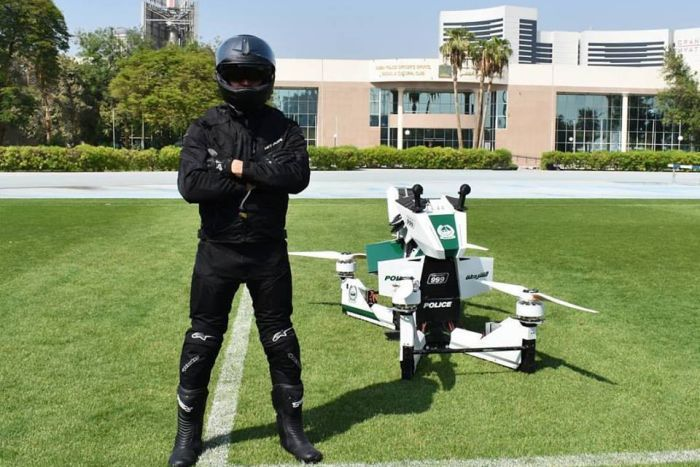 speeder bike star wars polizia dubai