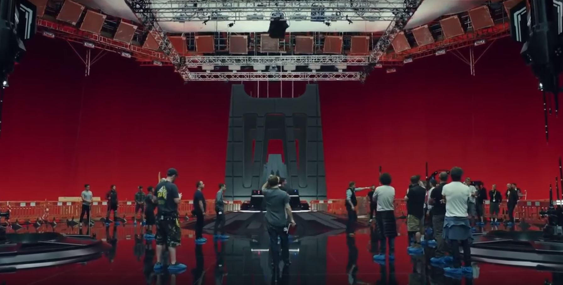 sala del trono di snoke the last jedi video dietro le quinte rian johnson