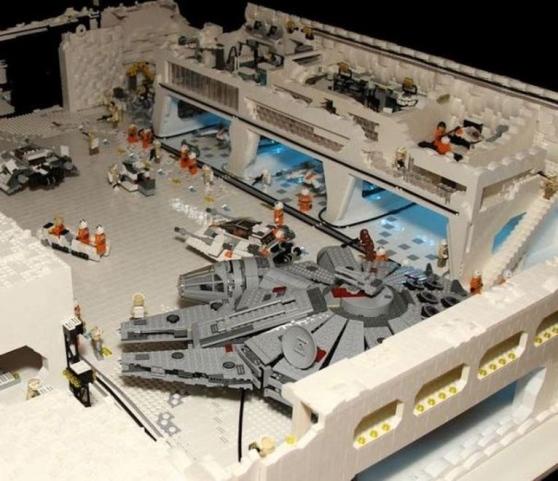 base di hoth riprodotta con i lego