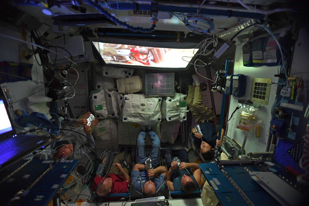 star wars the last jedi gli ultimi jedi visto nello spazio stazione spaziale internazionale