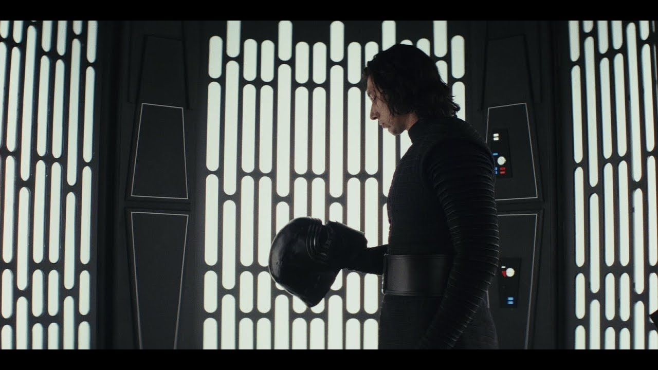 nuovo elmo per kylo ren in star wars episodio IX