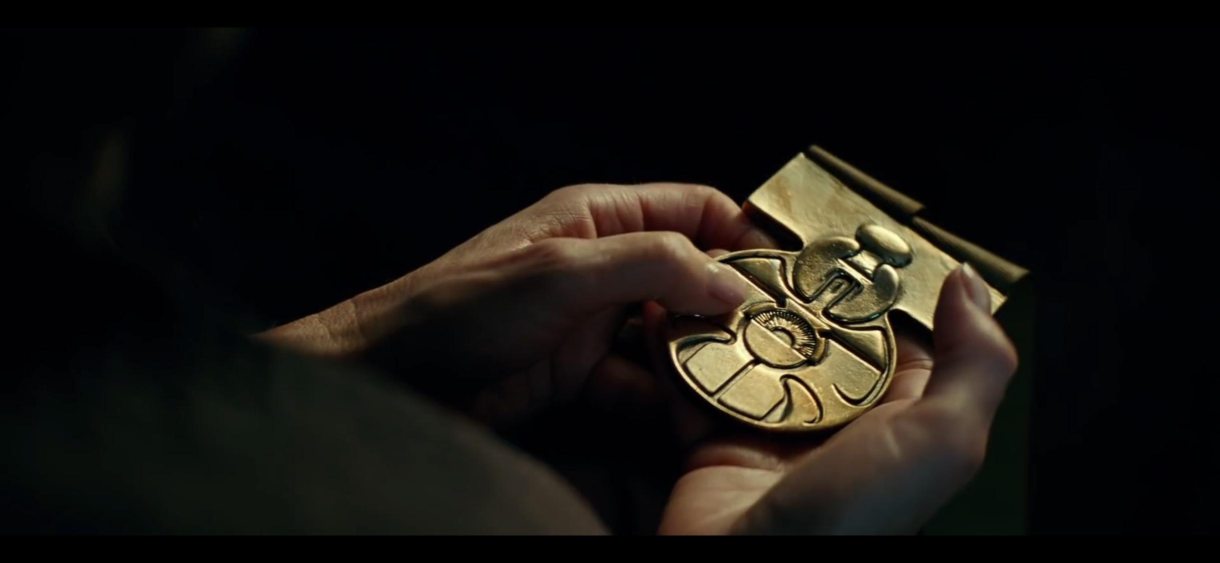 Leia e la medaglia di Han nel trailer di Episodio IX