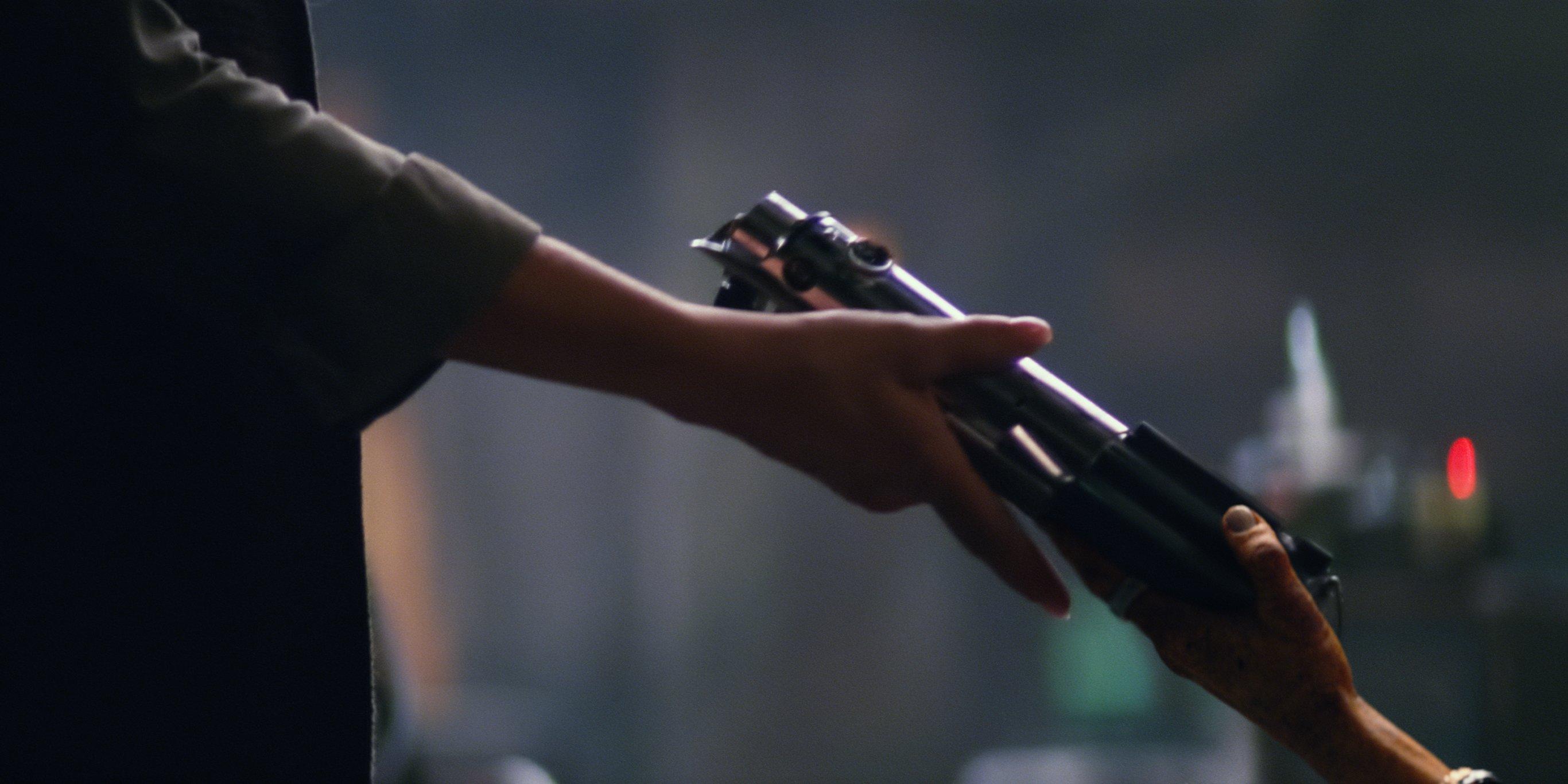 Leia e Maz e la spada di Luke