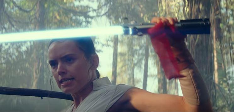 prima scena allenamento di rey in star wars episodio ix