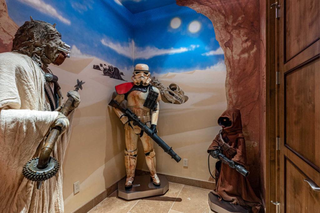 personaggi di star wars statue