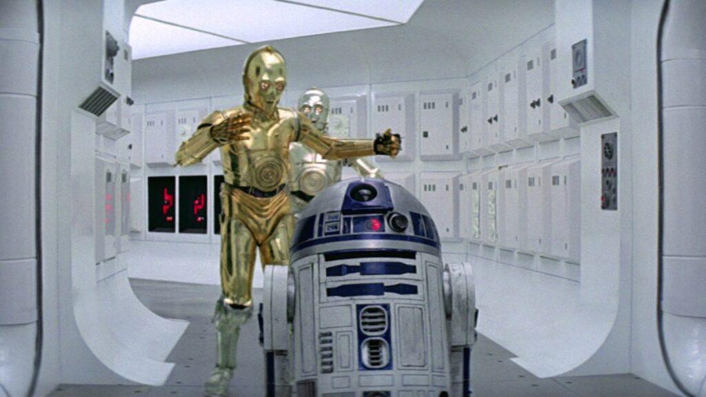 """C3PO """"riflette"""" il cameraman: uno degli errori di Episodio IV"""