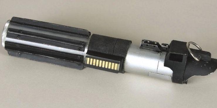 La spada di Vader, uno dei più iconici oggetti di scena.